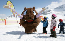 Holiday for the whole family on the Stubai Glacier